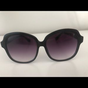 Black oversized ombré sunglasses